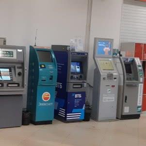 ООО и ИП надо иметь несколько счетов в разных банках